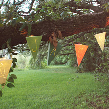 diy project: anna's paper pennant garland