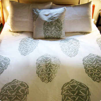 "diy project: ""block"" printed duvet"