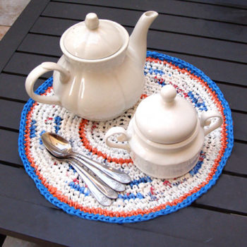 diy project: sara's crocheted plastic bag placemats