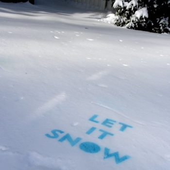 let it (spraypaint on) snow…