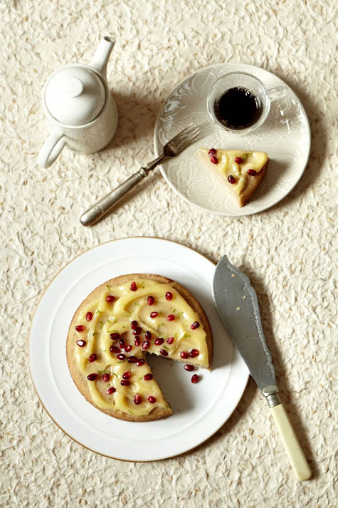 In The Kitchen With Kate Wesson S Lemon Cake Design Sponge