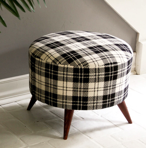 Remarkable Diy Project Shellys Salvaged Spool Ottoman Design Sponge Bralicious Painted Fabric Chair Ideas Braliciousco
