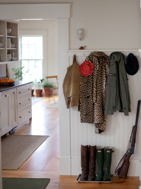 For Most Of Us The Entryway Is That Part House Where Mail Keys And Shoes Tend To Pile Up But It S Also A Visitor First Impression Your Home