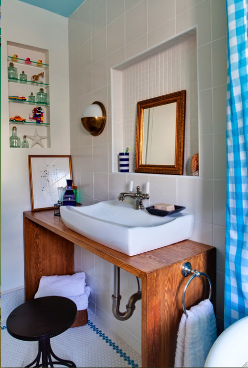 Before Amp After Cheery Nautical Bathroom Makeover Design