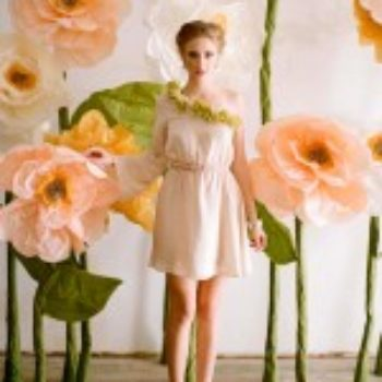 diy project: giant paper flowers from ruche