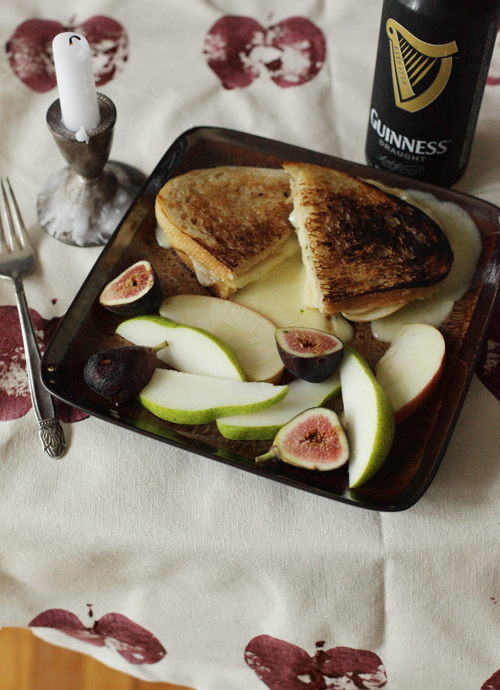 Small Measures: Apple Stamp Table Runner