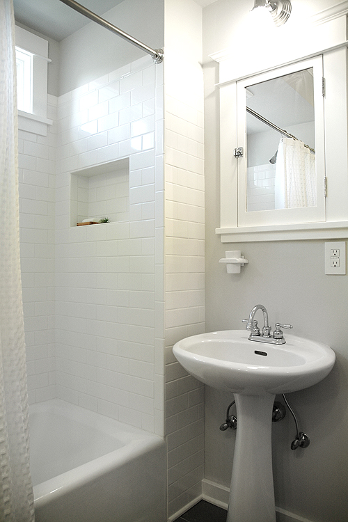 Before & After: A Brightened, Whitened Bathroom – Design*Sponge on
