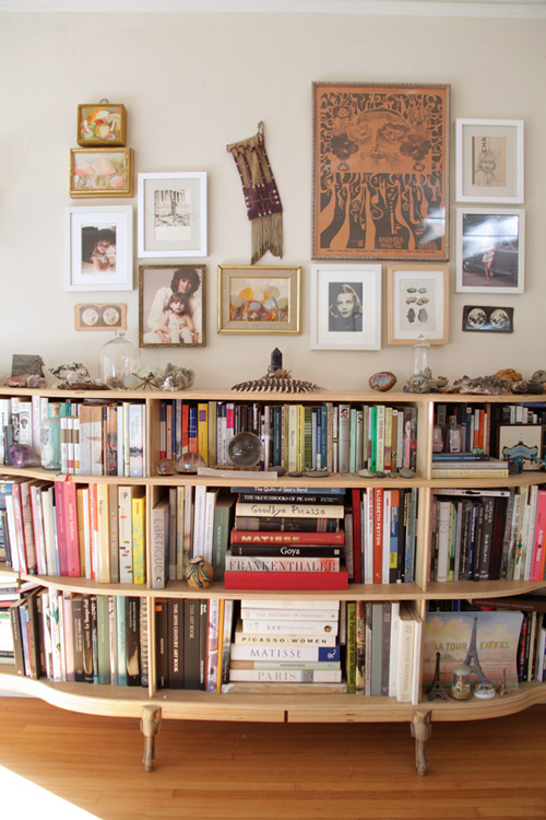 Image Above A Bookcase Doesnt Have To Be Sparse Look Stylish This Shelf Works Because The Books Are Placed At Different Orientations