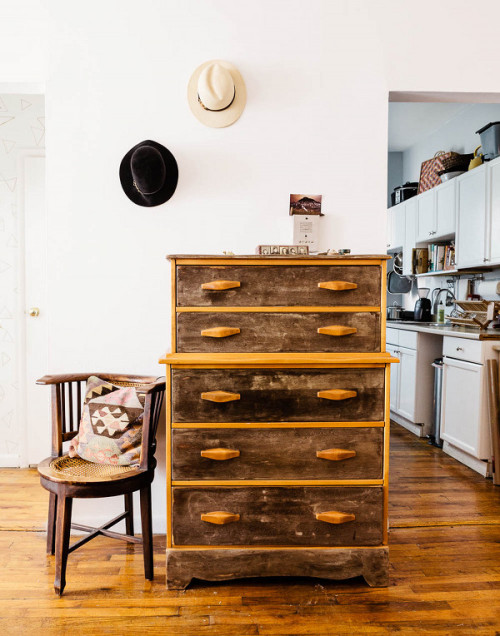 Rima Brindamour runs bkstyled a blog about Brooklyn design. She moved into  her Clinton Hill apartment in June 2012 and since then has been working to  create ... - Minimal + Vintage In Brooklyn – Design*Sponge
