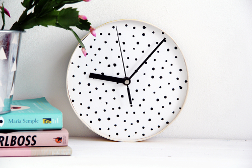 Design Sponge Spotted Clock 5