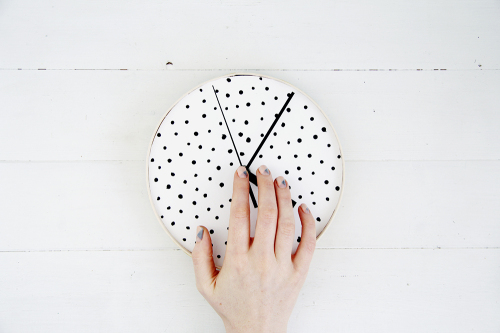 Design Sponge Spotted Clock Tutorial 20