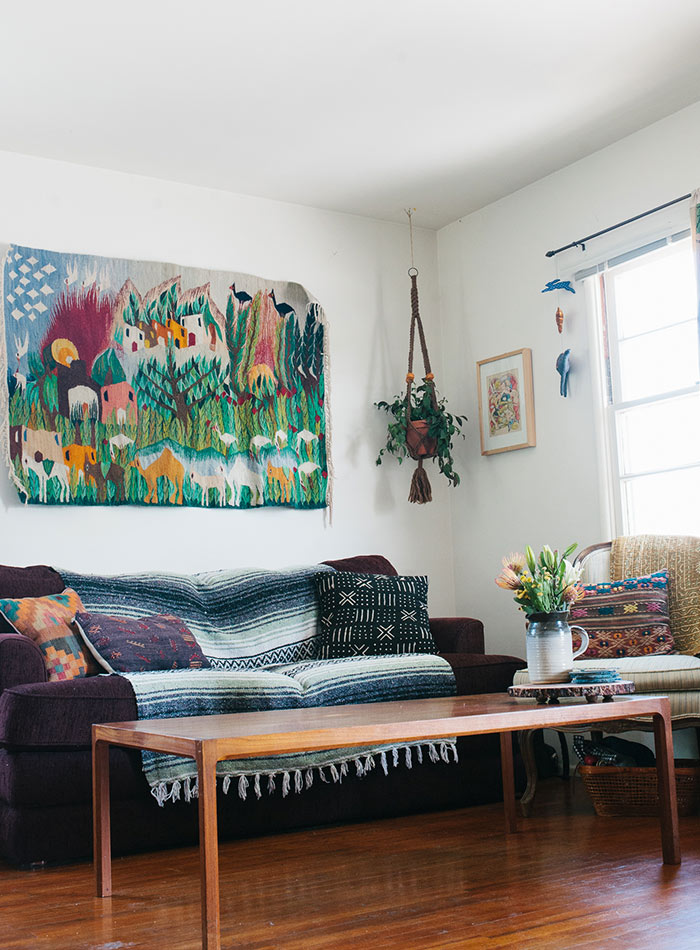 A Cartoonist and Illustrator's Strategically Easygoing Rental, Design*Sponge