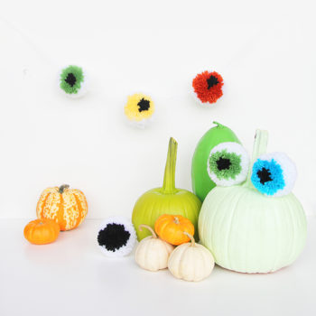 Halloween DIY: Eyeball Pom Pom Garland