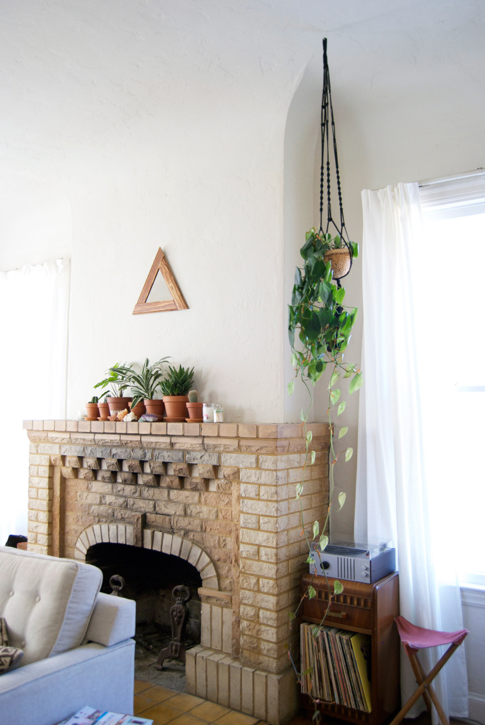 19 of Our Favorite Fireplaces of the Year – Design*Sponge