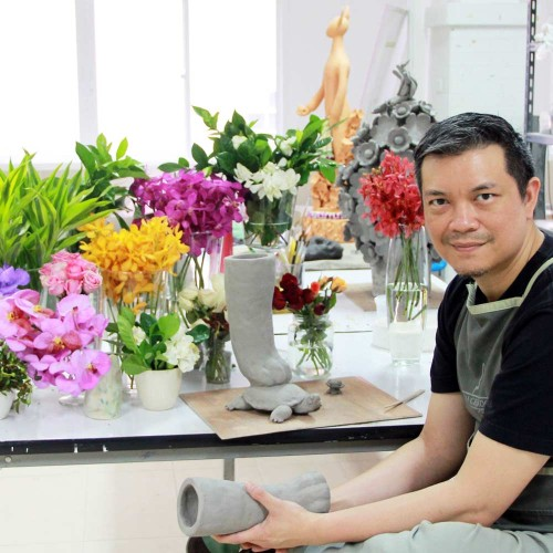 What's In Your Toolbox: Vipoo Srivilasa, on Design*Sponge