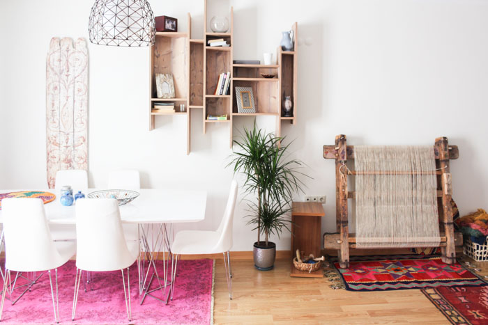 In Turkey, A Home Layered with Prints, Colors and Kilims – Design*Sponge