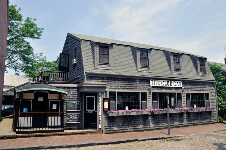 THE CLUB CAR, MAIN ST, NANTUCKET cr William DeSousa-Mauk (1)