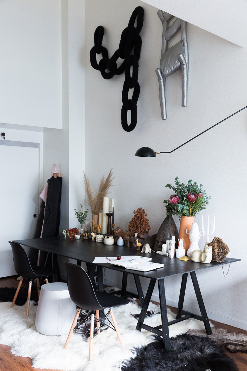A Clothing Designer and Illustrator\'s Industrial Loft in San ...