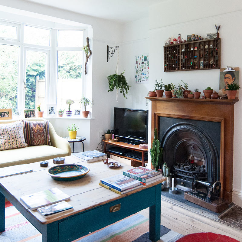 An English Home Where White Paint Allows Colors to Pop – Design*Sponge