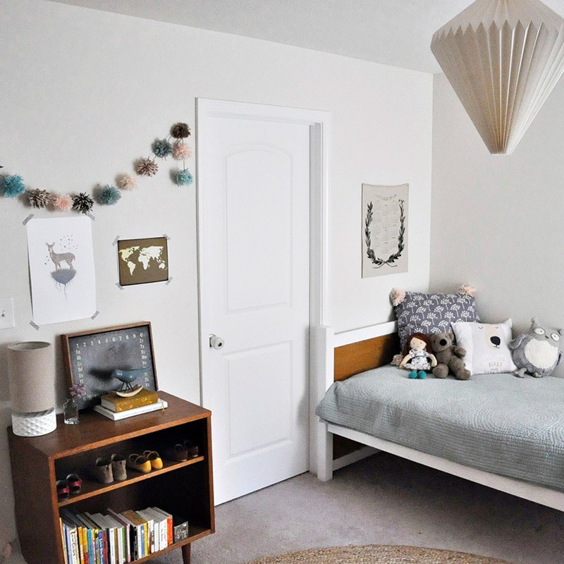 In Indiana, A Stylist Jazzes Up Cookie-Cutter New Construction, Design*Sponge