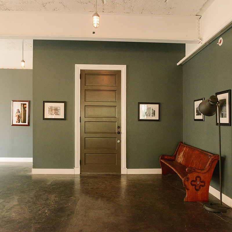 One of America's First Indoor Car Dealerships Becomes a Family's Industrial Home on Design*Sponge