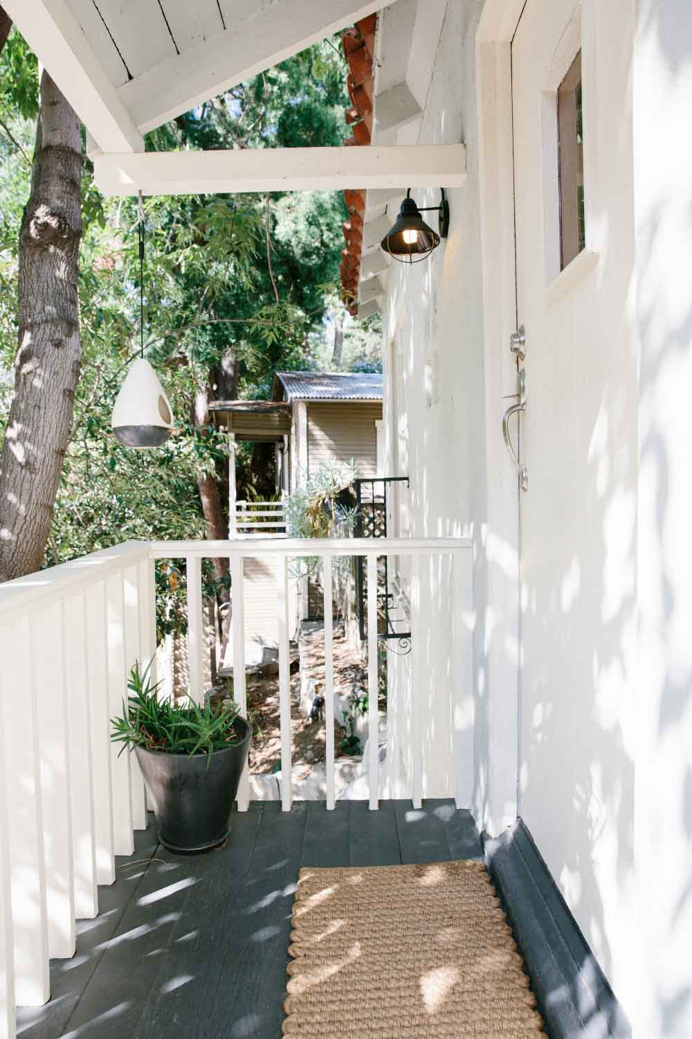15 Pretty Picturesque Front Porches – Design*Sponge