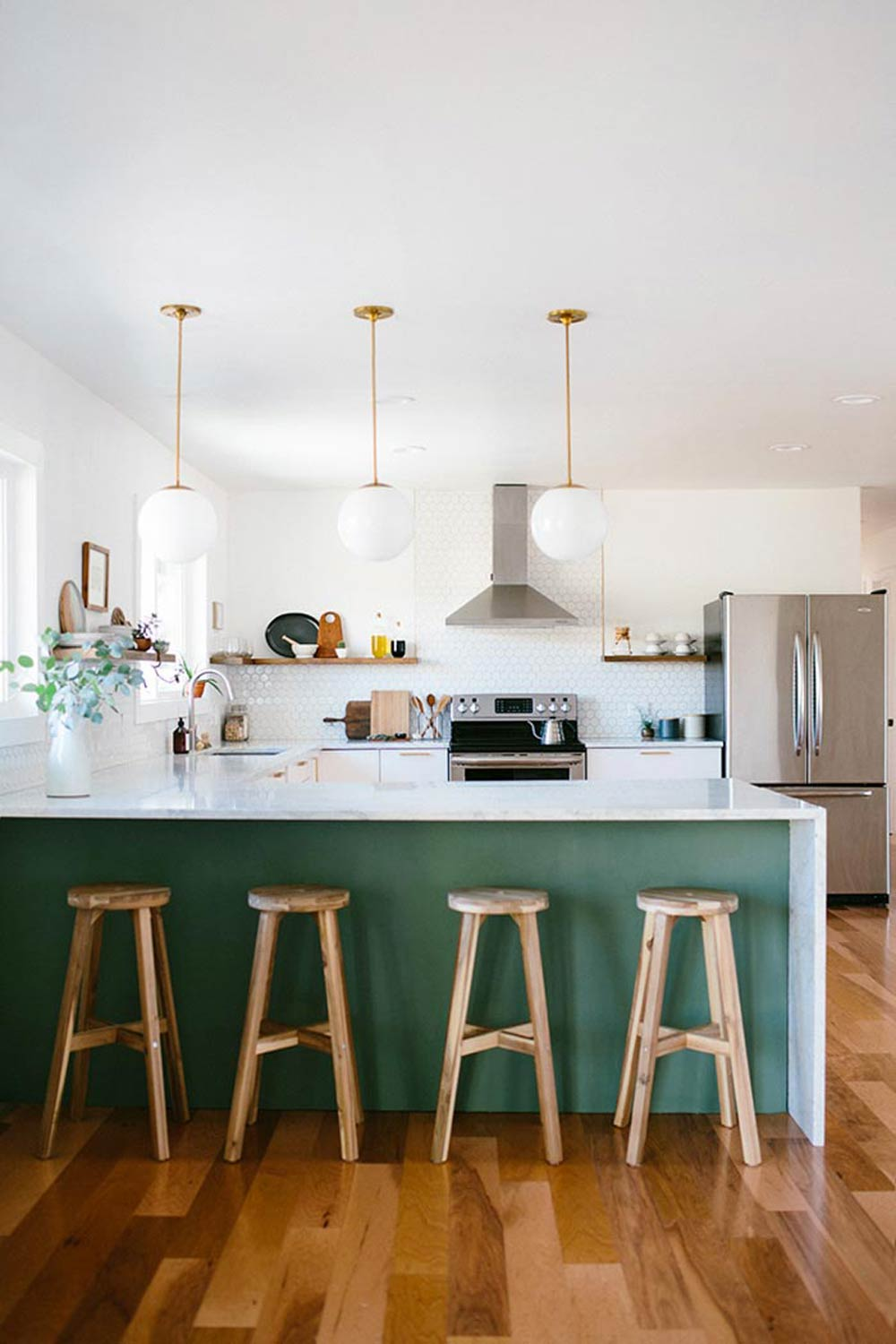 10 of Our Favorite Summery Kitchens, on Design*Sponge
