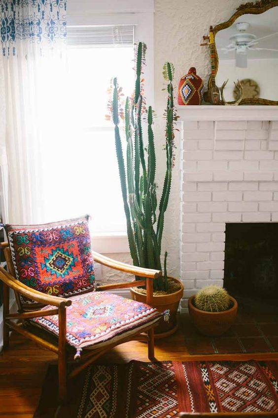 Designer Dining Rooms: 14 Ways To Add Texture And Color To A Room With Cacti