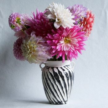 10 Handmade Vases for Winter Flowers