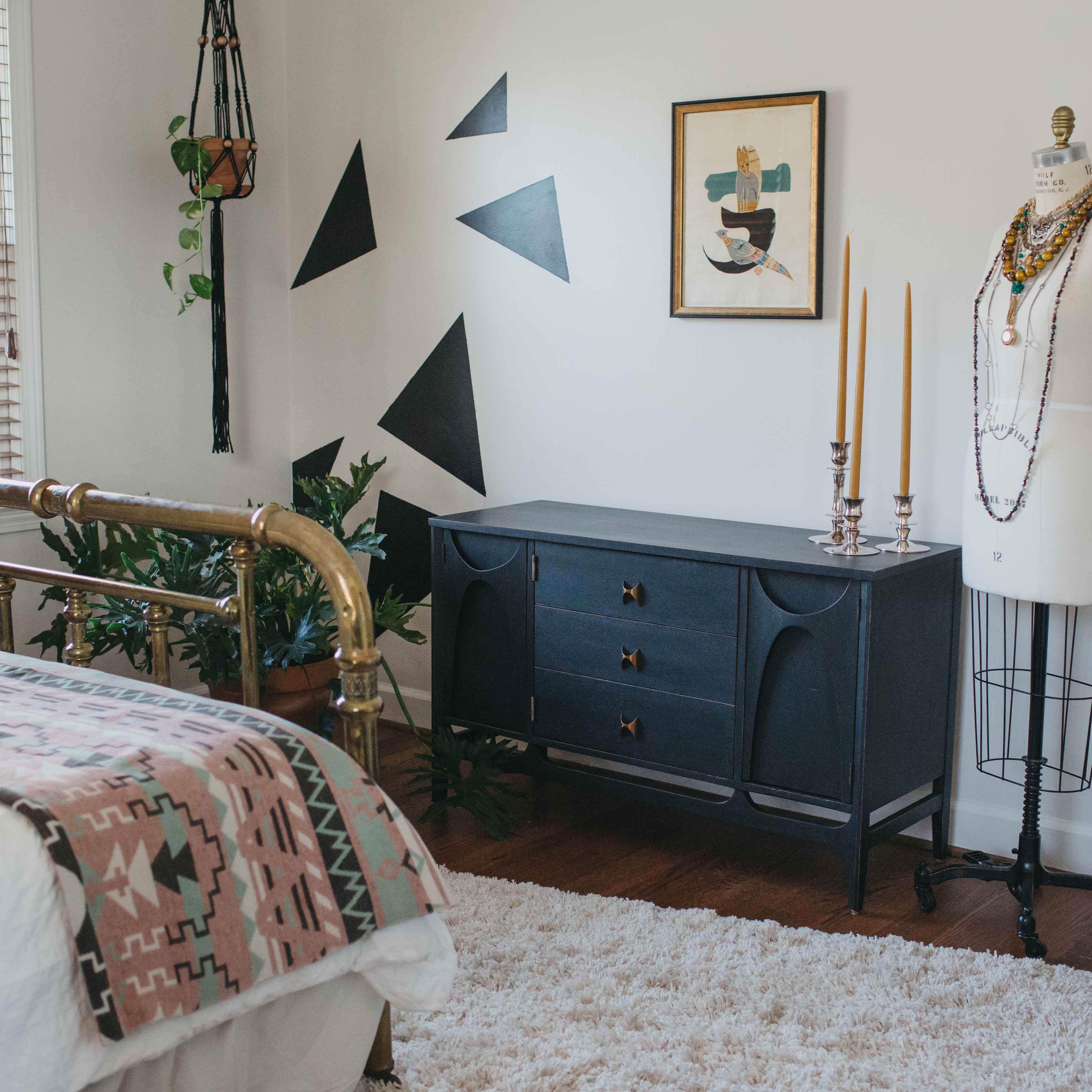 A Vintage Filled Home in Greenville, SC Designed To Feel Like a Retreat on Design*Sponge
