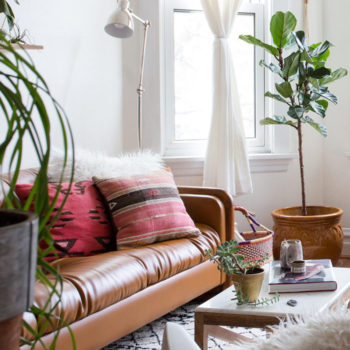 """This Chicago Rental's Thoughtful Design Redefines """"Cozy"""""""