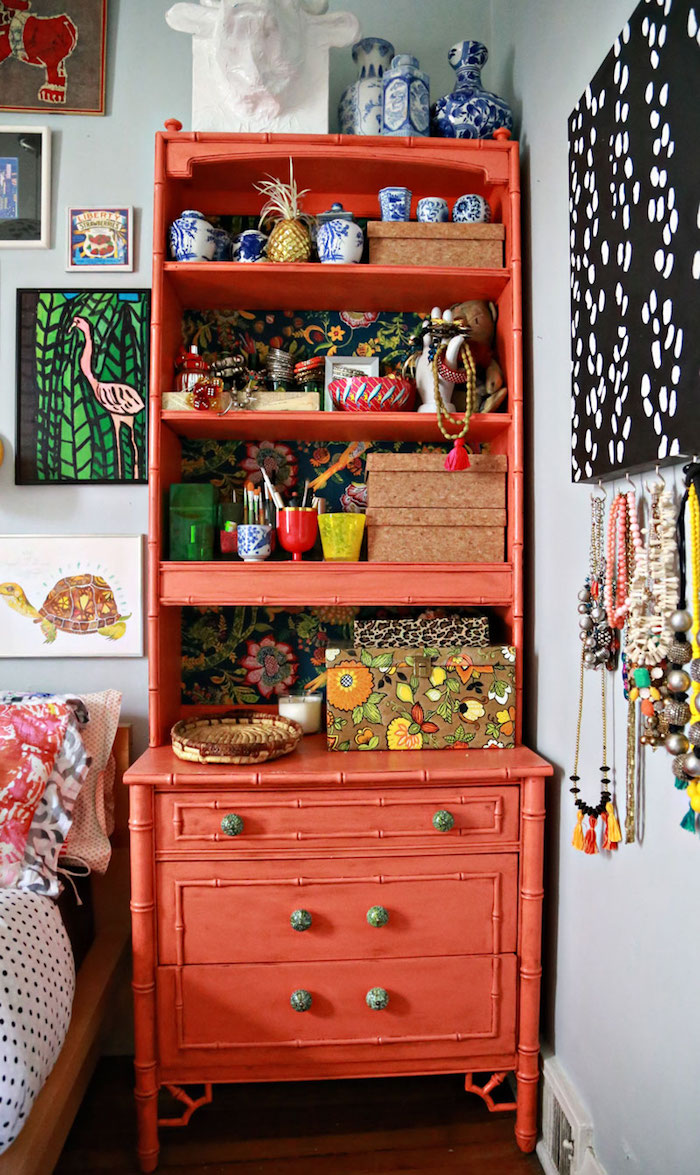 10 Ways to Dress Up Your Shelves with Color | Design*Sponge