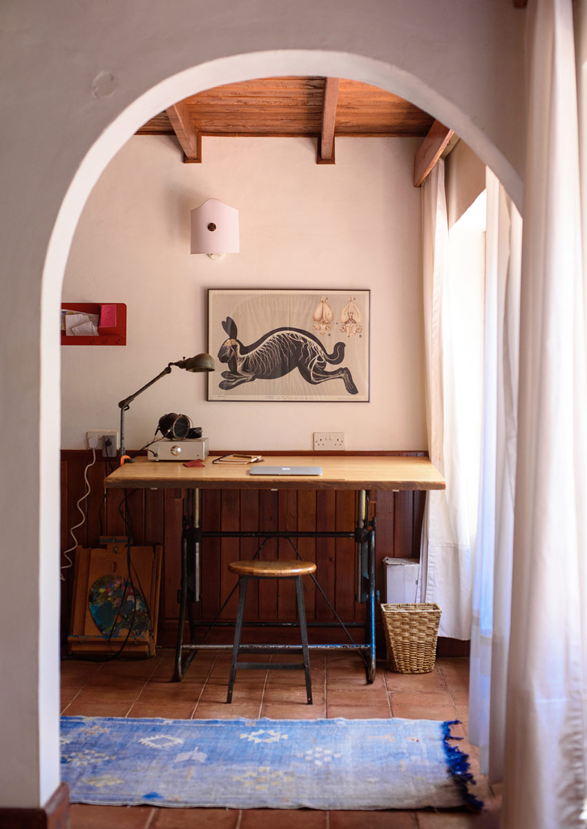 In Kenya, Zippy Accessories Remix a Rustic Rental, Design*Sponge