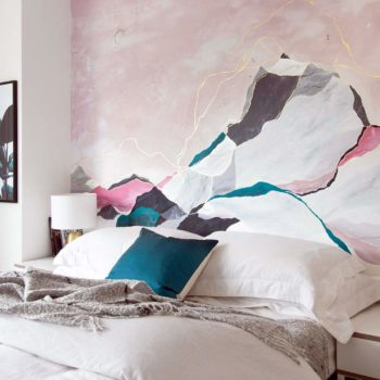 Painterly Touches Give a British Home a Boost