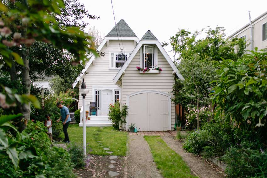 Full View Of This Charming Oakland Home On Design*Sponge
