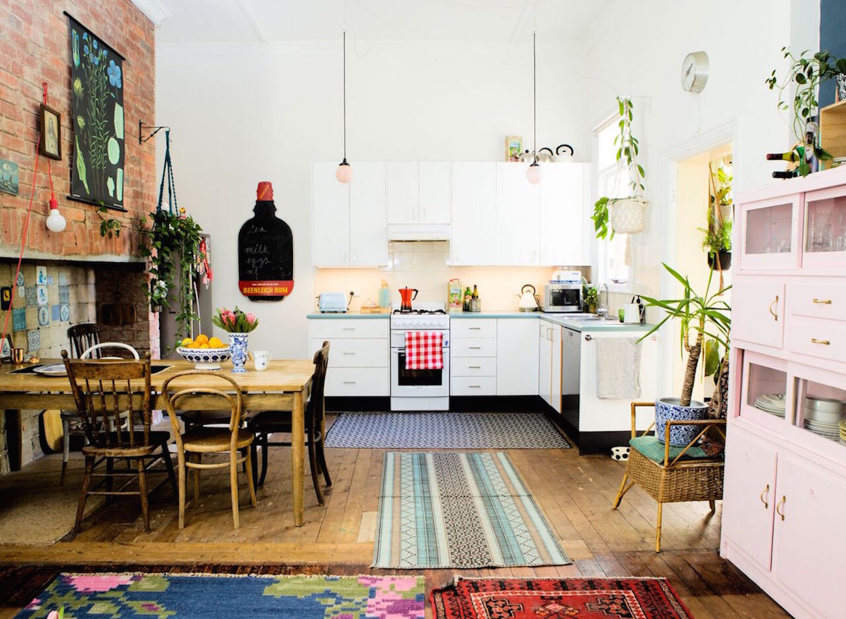 e05efdd9e An Eclectic Artist's Home In Melbourne Brings In Light and Color ...