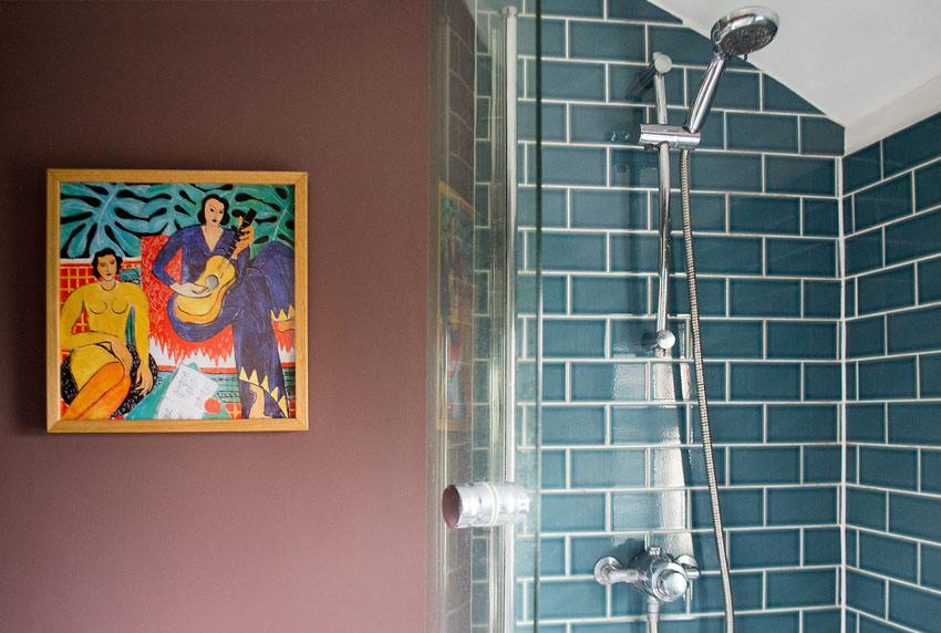The Bathroom Doesn't Miss The Opportunity To Display Art Tour On Design*Sponge