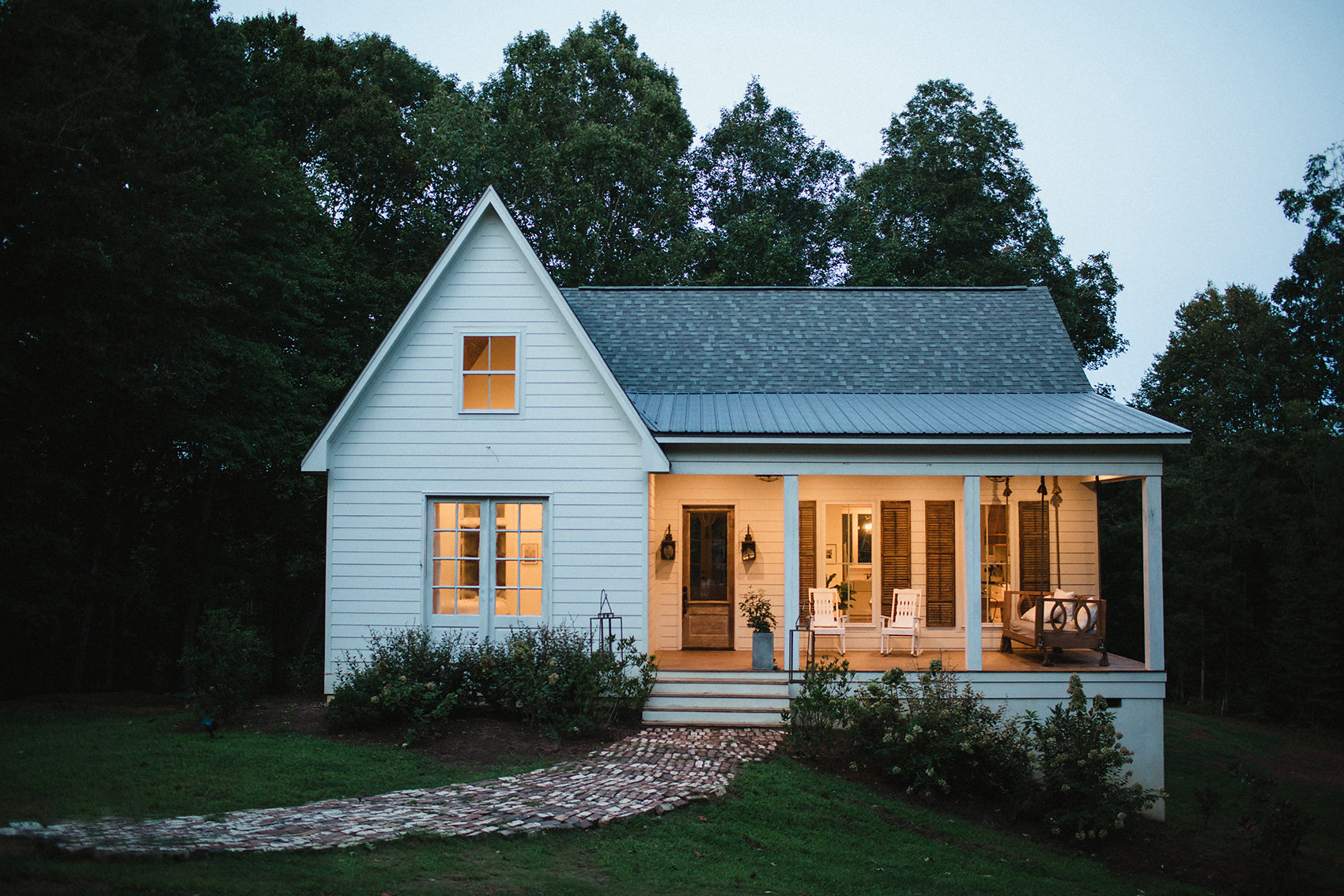 A mississippi home that gave new life to an old farmhouse for Cheap barn style homes