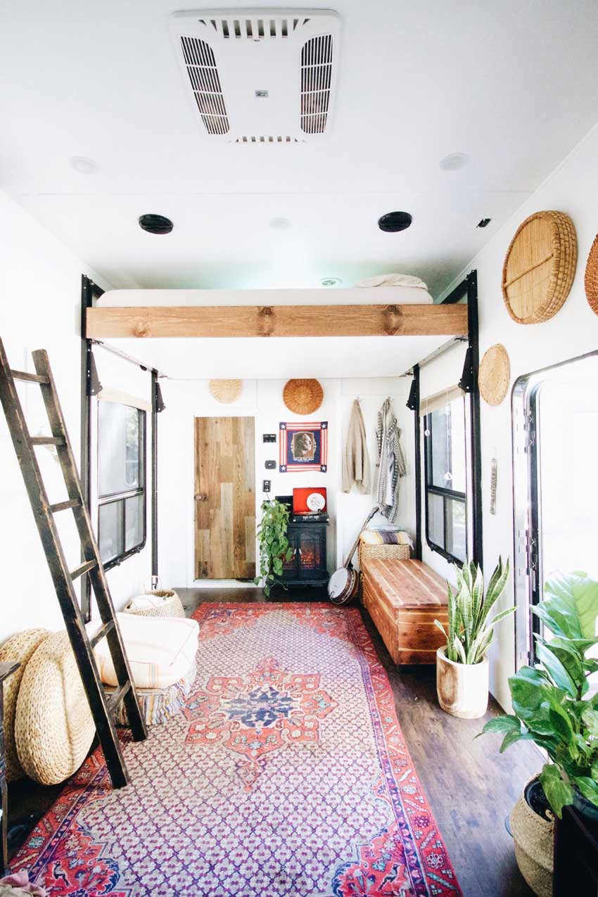 The Baileys Live In A Converted Toy Trailer They Call Home Tour On Design*Sponge