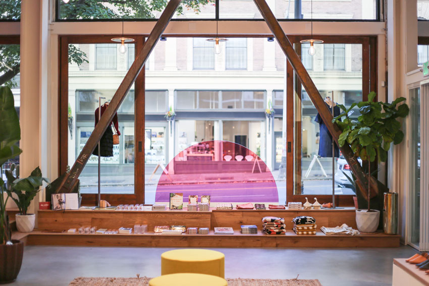 The Front Window Of Moorea Seal Gives Viewers The Option Of A Literal Filter Tour On Design*Sponge
