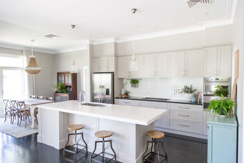 Before After An Outdated Australian Weatherboard House Comes To