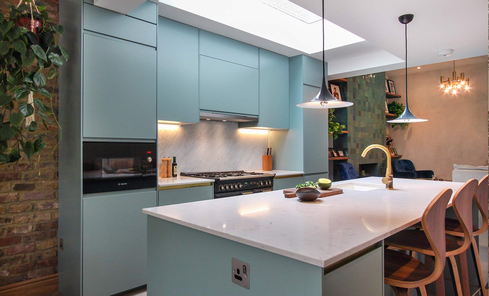 A Speedy Renovation in London Honors the Past with Color & Texture ...