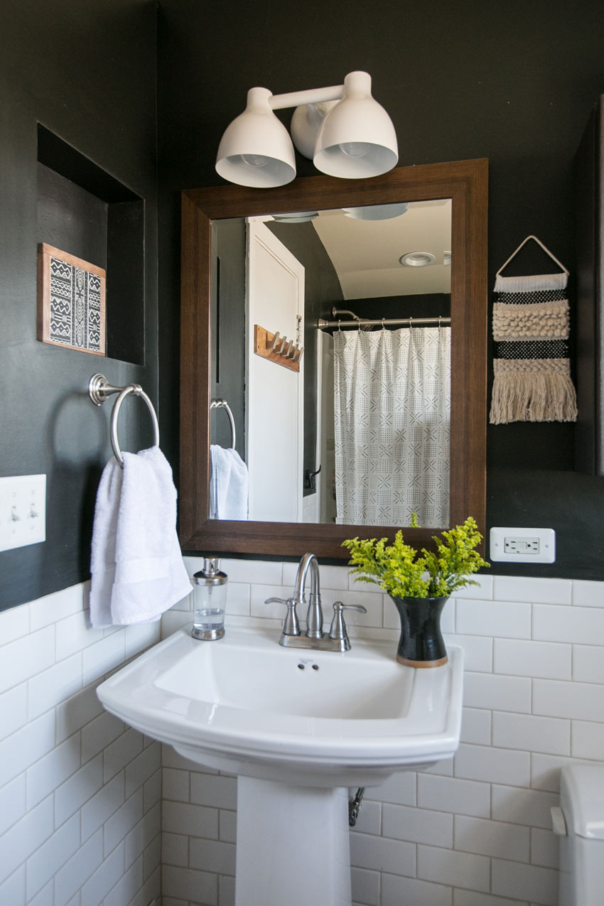 The Second Bathroom In This Chicago Home Gets A Moody Update Home Tour On Design*Sponge