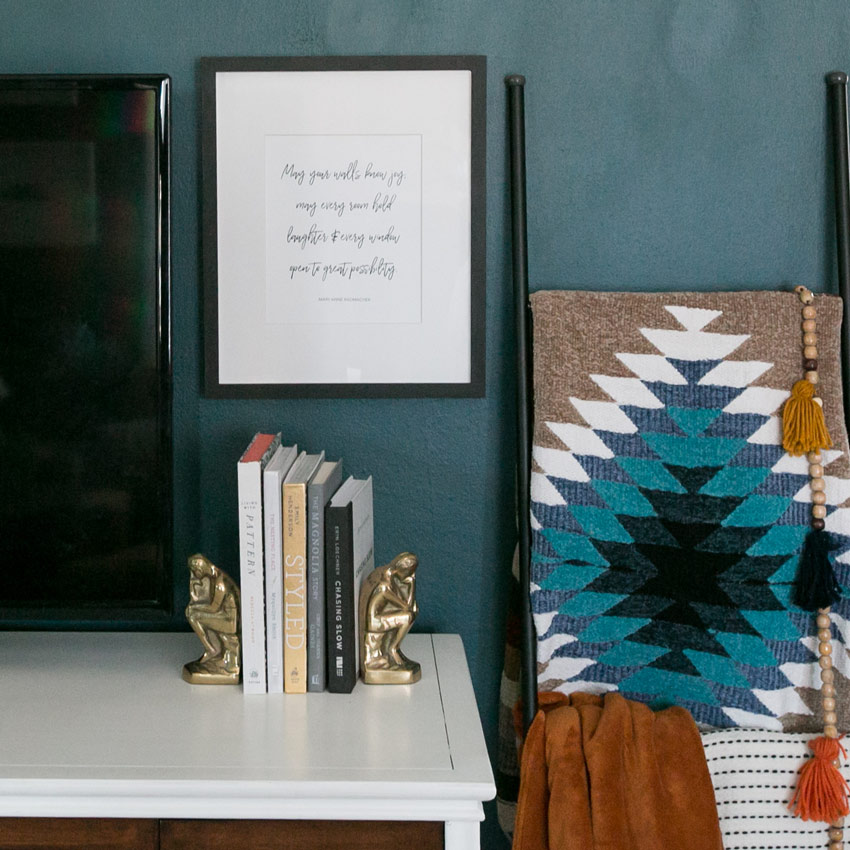Details In This Chicago Living Room Feature A Special Quote Tour On Design*Sponge