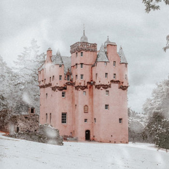 A Pink Castle Escape + Best of the Web