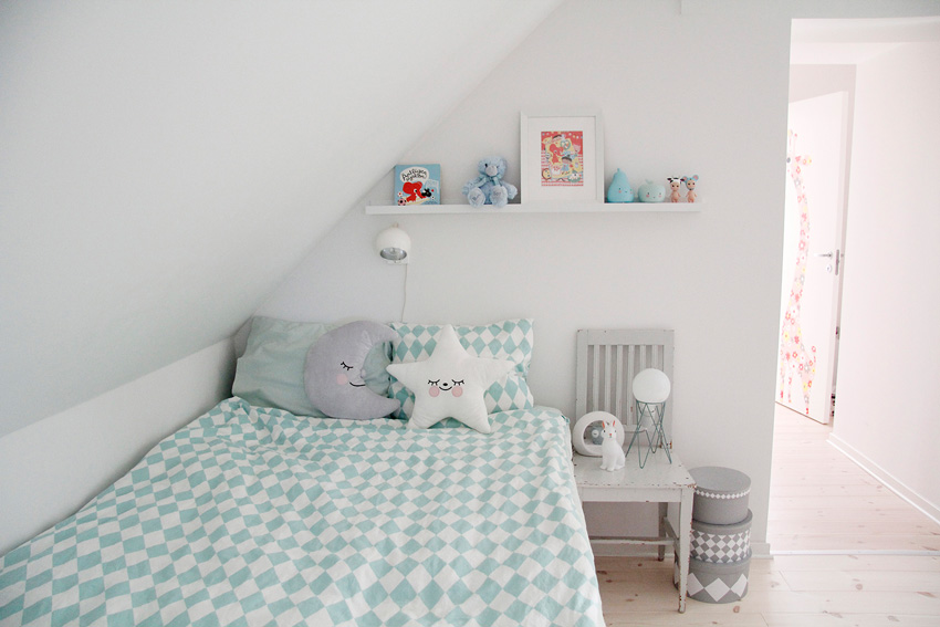 A Calming Children's Sleeping Corner Even Just In Theory Full Home Tour On Design*Sponge