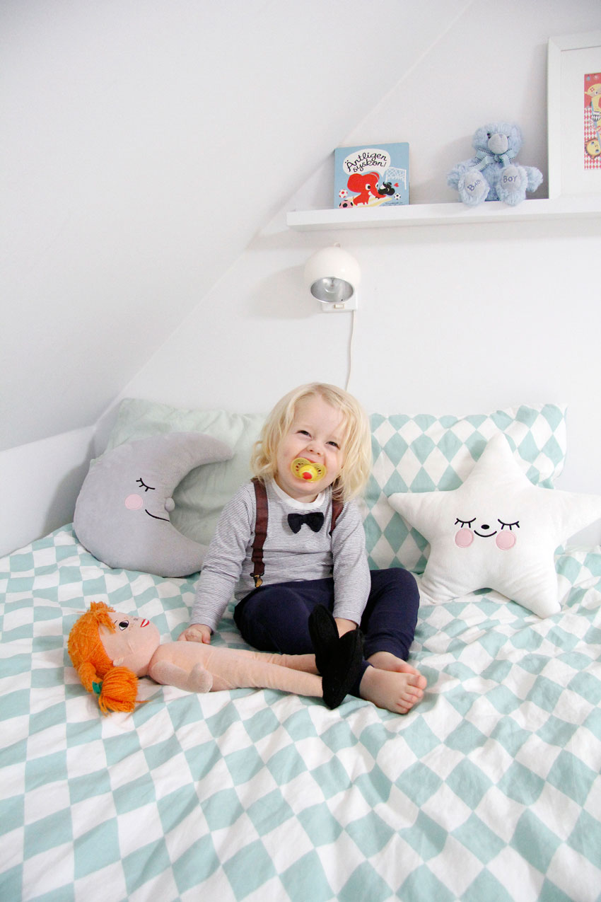 The Adorable Occupant Of This Sweet Room Tour On Design*Sponge