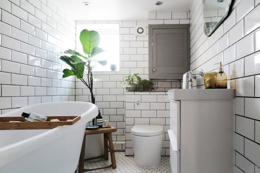 Before & After: An All-Beige Bathroom Becomes a Scandinavian ...