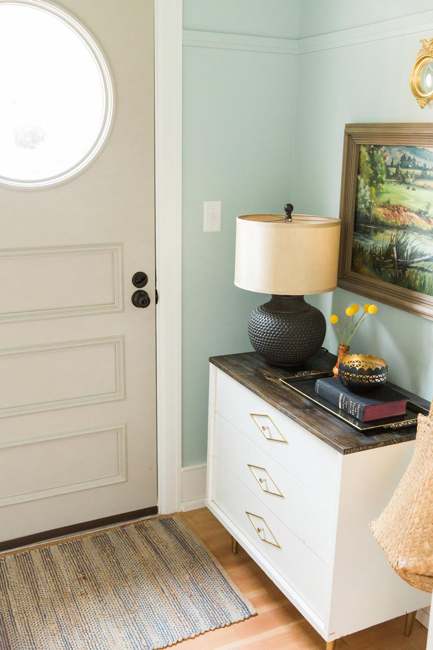 A Circle Window Replaced A Mid-Century Diamond One To Better Suite The Original Home's Style Tour On Design*Sponge