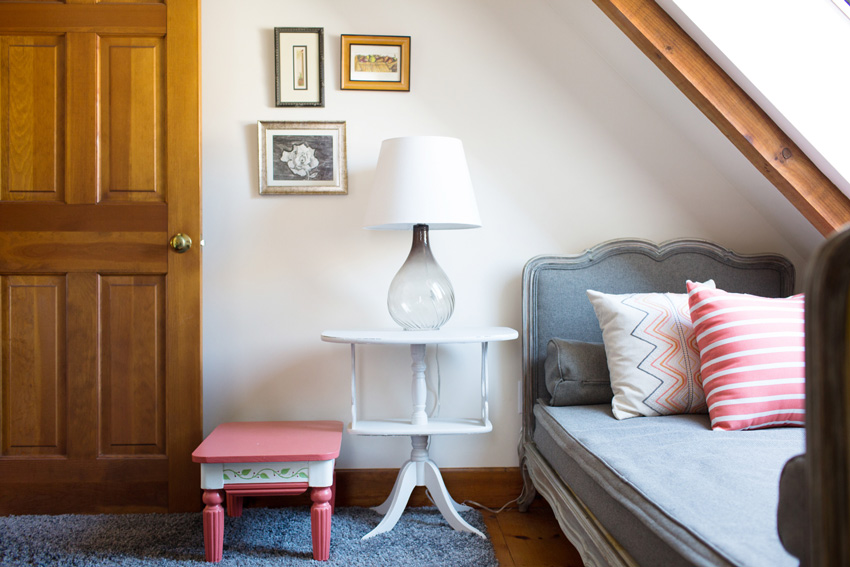 A Bedroom Nook Perfect For Grandkids In This Maine Home Tour On Design*Sponge